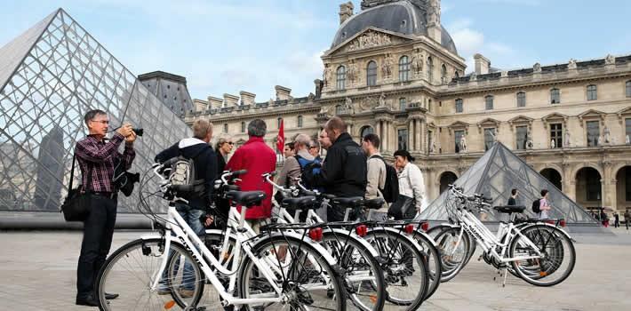 visiter paris v lo et location de v los paris bike tour. Black Bedroom Furniture Sets. Home Design Ideas