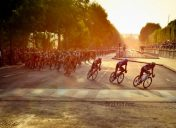 Arrival of Tour de France with Paris Bike Tour !