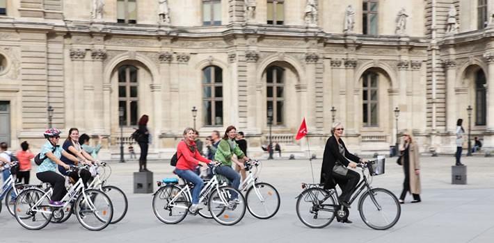 balade de paris à vélo en groupe