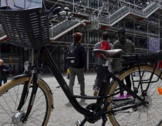 Guided Electric Bike Tour Paris